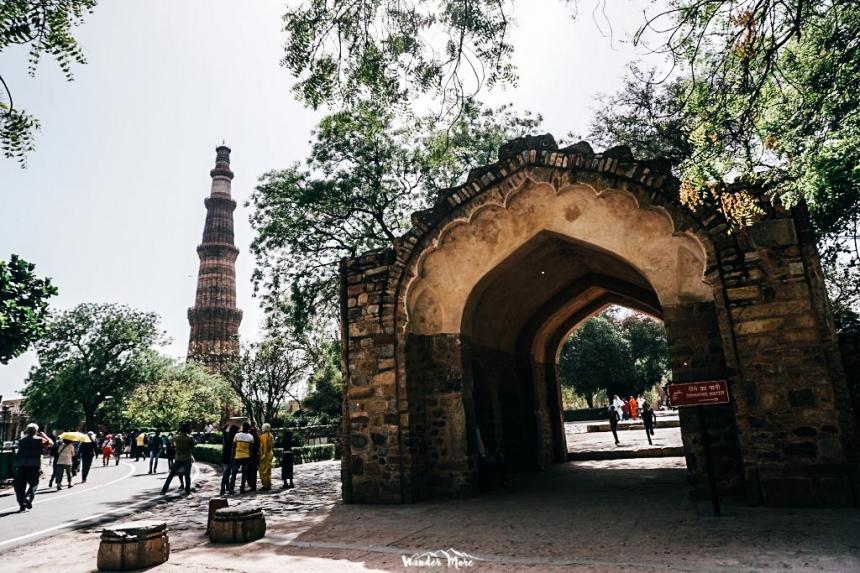 อินเดีย เที่ยวอินเดีย เที่ยวคนเดียว Qutub minar ท่องเที่ยว เดินทาง บล็อกเกอร์ท่องเที่ยว ผจญภัย