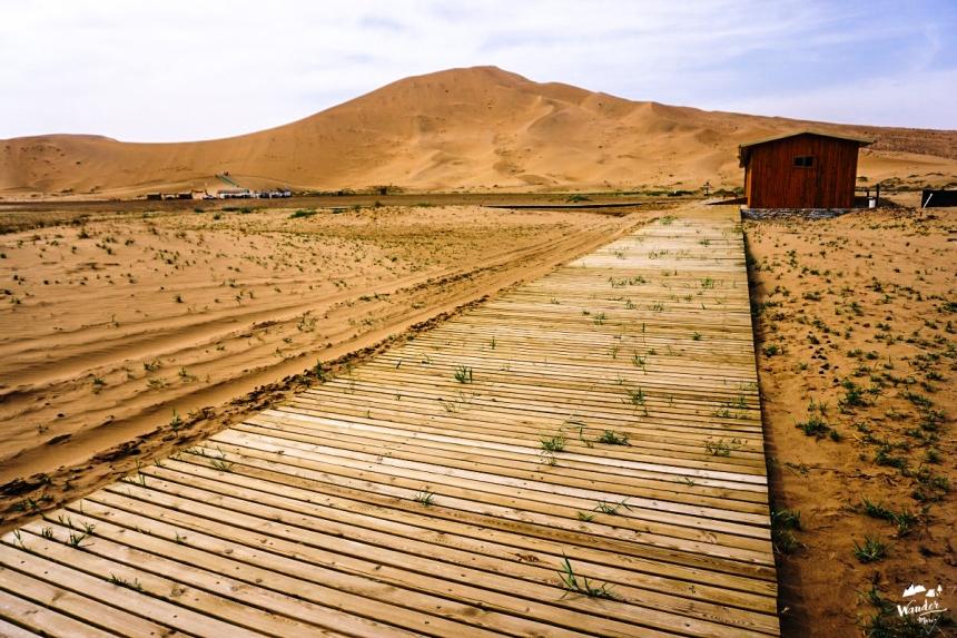 ทะเลทราย badain jaran ผจญภัย เที่ยวคนเดียว จีน เดินทาง เที่ยวจีน