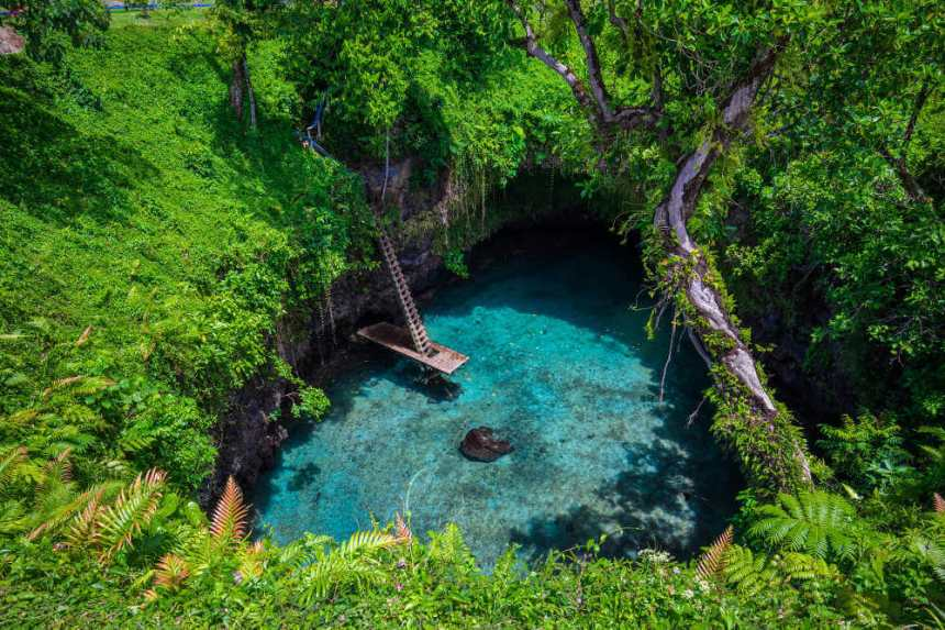 Samoa-Upolu-To-Sua-ocean-trench_oceanie-expert