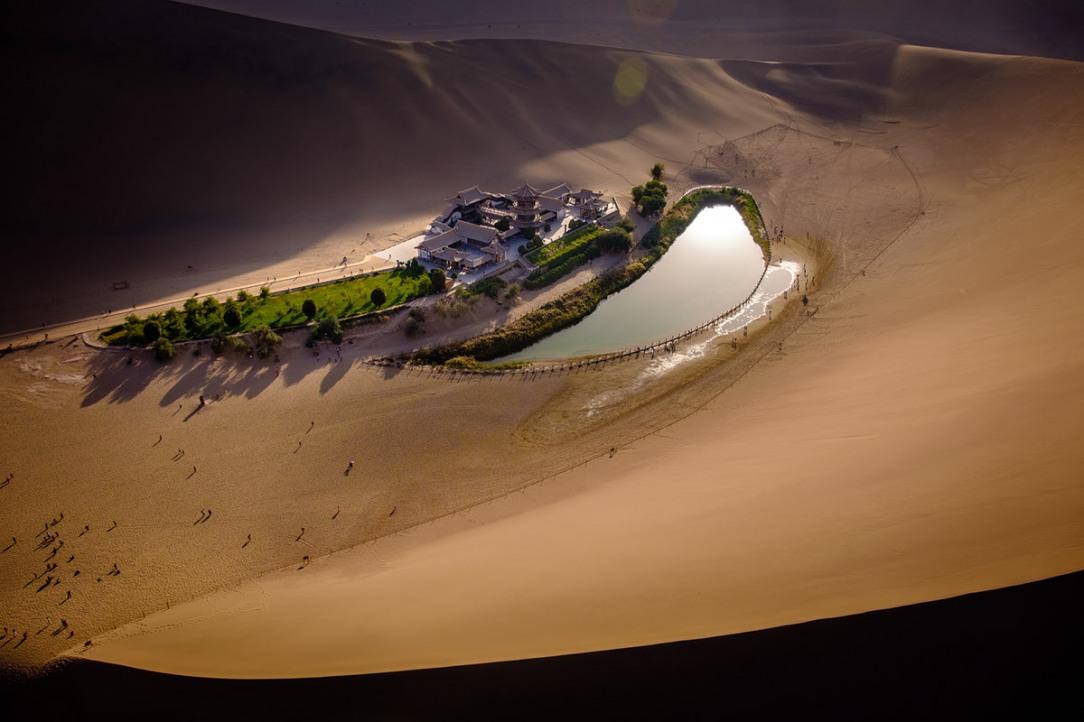 badain jaran, desert, gobi, ทะเลทรายโกบี, ทะเลทรายจีน, เที่ยวจีน, ผจญภัย, เที่ยวคนเดียว, บล็อกเกอร์, Crescent Lake